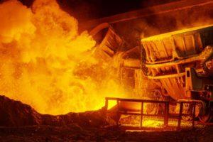 Steel plant pooring molten steel